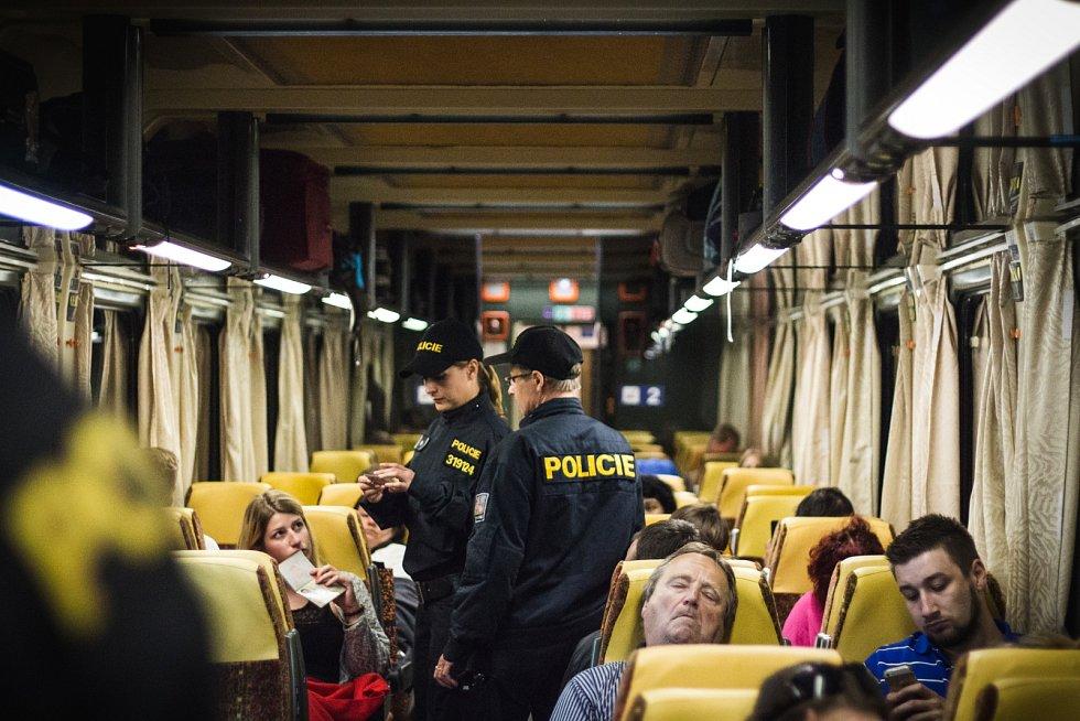 Policisté zadrželi v noci na úterý na jižní Moravě běžence. Cizinci neměli povolení k pobytu v ČR.