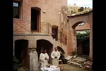 Přesně po čtyři sta letech od vysvěcení kapucínského kostela svatého Františka se konala v Mikulově slavnostní mše. Na místě, kde kostel kapucínů kdysi stával, je dnes galerie Konvent.