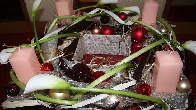 Rybniční zámeček nabízí vánoční inspiraci od odborníků, navíc s poutavým výkladem o jeho historii.
