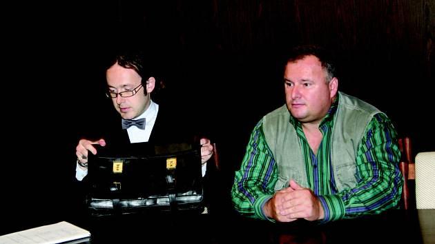 Obžalovaný podnikatel Jaroslav Kučera (vpravo) se svým právním zástupcem.