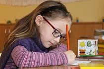 ŠKOLA HROU. Většina dětí se při zápisu do první třídy na Základní škole Slovácká v Břeclavi bavila a usmívala.