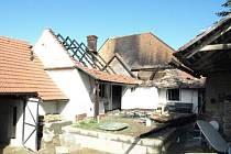 Požár rodinného domku ve Velkých Hostěrádkách