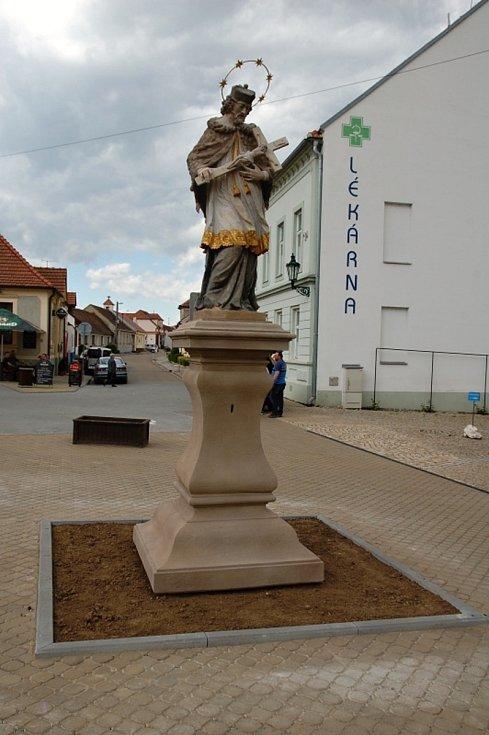 Lednice, socha svatého Jana Nepomuckého.