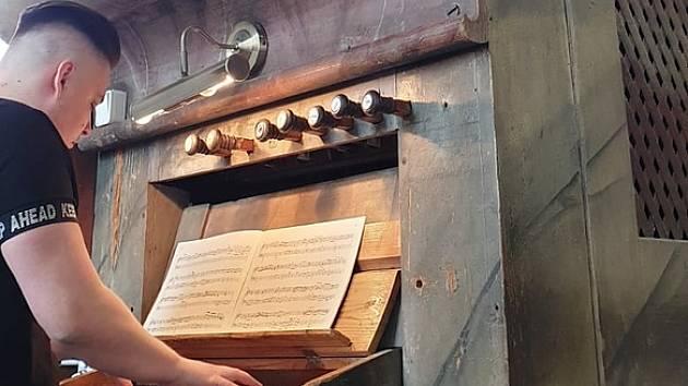 Benefičními koncerty chtějí získat peníze na obnovu cenných varhan.