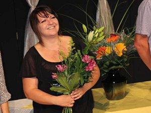 Učitelka Petra Manišová píše vlastní divadelní představení. Na střední vinařské škole ve Valticích vede divadelní soubor Máňa.