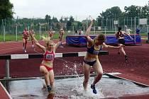Při druholigovém kole soutěže družstev v Břeclavi vyhrály atletky pořádající Lokomotivy.