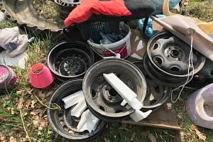 Skládka odpadků v katastru Valtic.