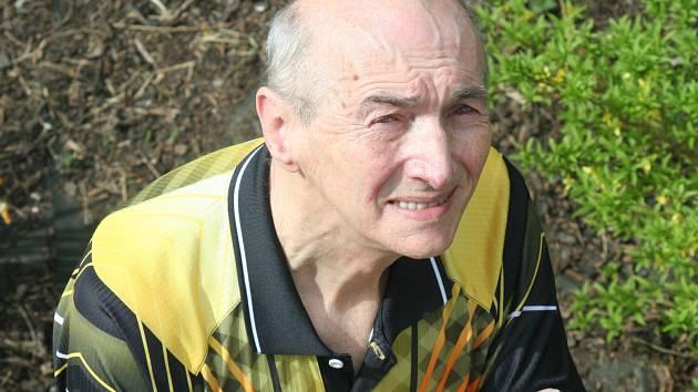 Trenér Jaroslav Hýbner pomáhá břeclavskému klubu s administrativou a píše sportovní články.