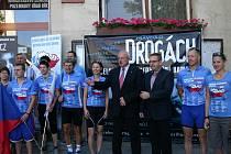 Dvacet mladých lidí se rozhodlo bojovat proti návykovým látkám sportem a získali podporu i u vedení města.
