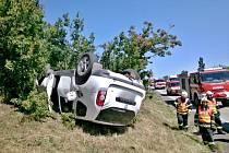 Při páteční nehodě na dálnici u Velkých Němčic se zranil člověk.