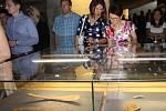 Nový Archeopark otevřel v sobotu v Pavlově premiér Bohuslav Sobotka a další hosté. Přišel na bezmála sto milionů korun. Ojedinělá expozice, která kombibuje moderní audiovizuální technologie s klasickými postupy, se váže k období lovců mamutů.