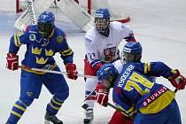 Český tým oslavuje po výhře nad Švédy postup do semifinále. Narazí na USA.