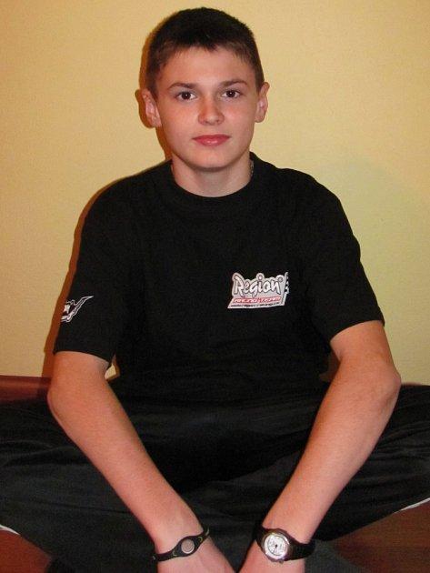 Mladý motokrosový závodník Tomáš Osička.
