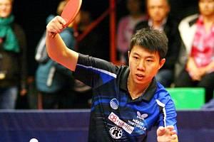 Slovenský stolní tenista čínského původu Bai He.