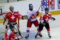 Čeští hokejisté vyválčili se Švýcarskem zlaté dva body.