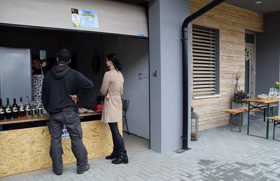 V Lanžhotě se uskutečnil první ročník Jarmarktour aneb z garáže do garáže a zpět.