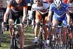 Hlohovcem se proháněli závodní cyklisti i malé děti na kolech.