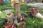 Děti i rodiče se pustily do tvoření podzimáčků pro zkrášlení školy v Charvátské Nové Vsi v Břeclavi. FOTO: archiv školy