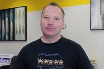 Radek Důbravný je břeclavský malíř a fotograf.