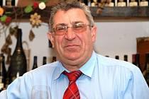 Srdce Oldřicha Michlovského dotlouklo. Známý rakvický vinař a zručný řemeslník, díky kterému v obci vyrostl nepřehlédnutelný vinařský dům Dominant, zemřel nečekaně ve svých pětašedesáti letech.