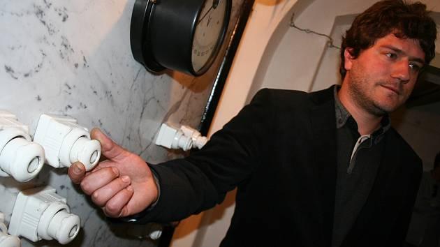 Lednický zámek nabízí pro tuto sezonu novinku: restaurované elektrorozvodny a kotelny.