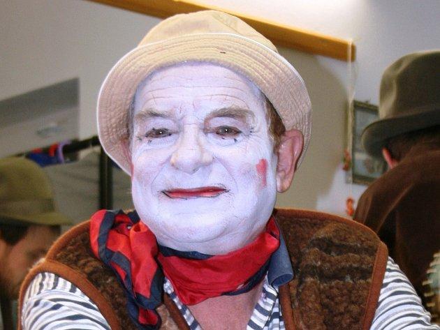 Herec boleradického divadla Jiří Brabec v komedii Saturnin.