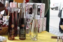 Hustopeče ožily Slavnostmi mandloní a vína. Tisíce lidí přilákalo jídlo s mandlemi na různé variace, nabídka vín, mandlovice i mandlového piva. Nechyběly ani kapely a také soutěž o největšího jedlíka.