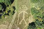 Kdo si hraje nezlobí. Tak ekolog Filip Šálek z Břeclavi okomentoval snímky z dronu, které zachycují mozaikovou seč v lokalitě na Dlouhém hrúdu v oboře Soutok.