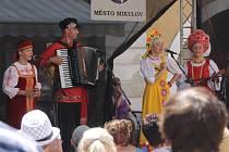 Lidé si užili festival jídla v Mikulově. Patnáctý ročník akce Národy Podyjí jim nabídl jedenadvacet kuchyní i kulturní vystoupení.