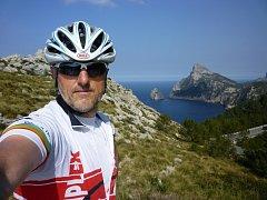 Miroslav Peňáček měl při náročných trénincích v horách čas se kochat krásami Baleárských ostrovů.
