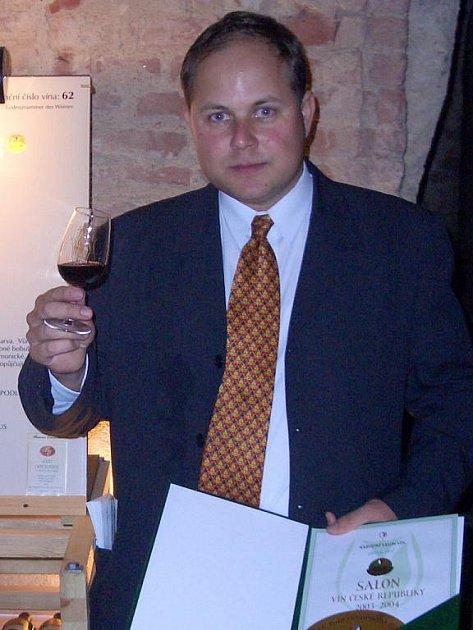 Vinař Richard Tichý z Hrušek.
