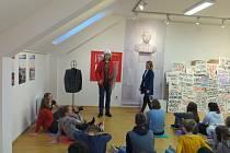 Žáci na Slovácké si vyzkoušeli totalitní výuku
