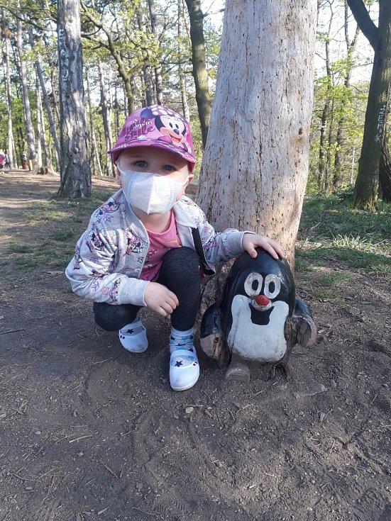 Děti s rakovinou trpí s koronavirem víc
