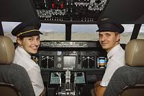 Dominik Vahala z Němčiček provozuje letecký simulátor ve vinném sklepě. Foto: archiv Dominika Vahaly