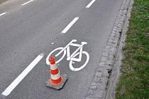 Ve městě slouží cyklistům nové pruhy.