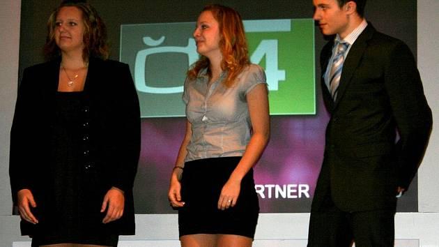 Krasobruslařka Lucie Myslivečková ovládla anketu o nejúspěšnějšího sportovce Břeclavska za rok 2011 mezi jednotlivci. Družstvům kralovaly stolní tenistky Břeclavi.