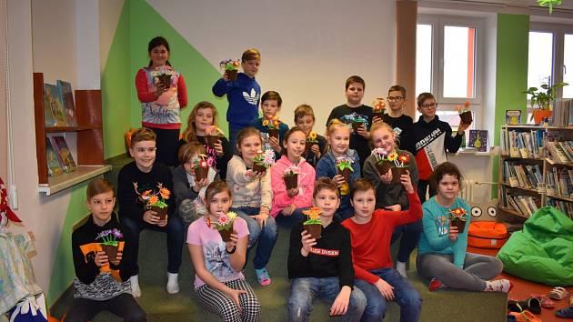 Obecní knihovnu v Tvrdonicích navštívily děti ze školy