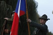 Břeclavané si připomínali vznik Československa u sochy prezidenta Tomáše Garrigue Masaryka.