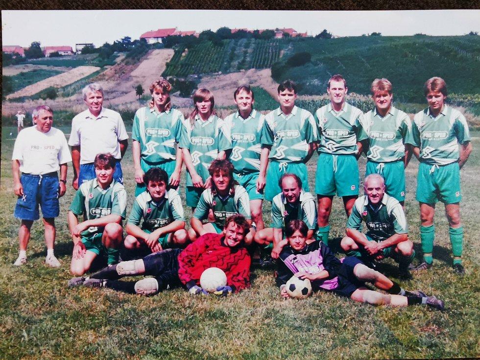 Za bořetický tým nastupoval v devadesátých letech legendární František Veselý (na snímku vpravo dole).