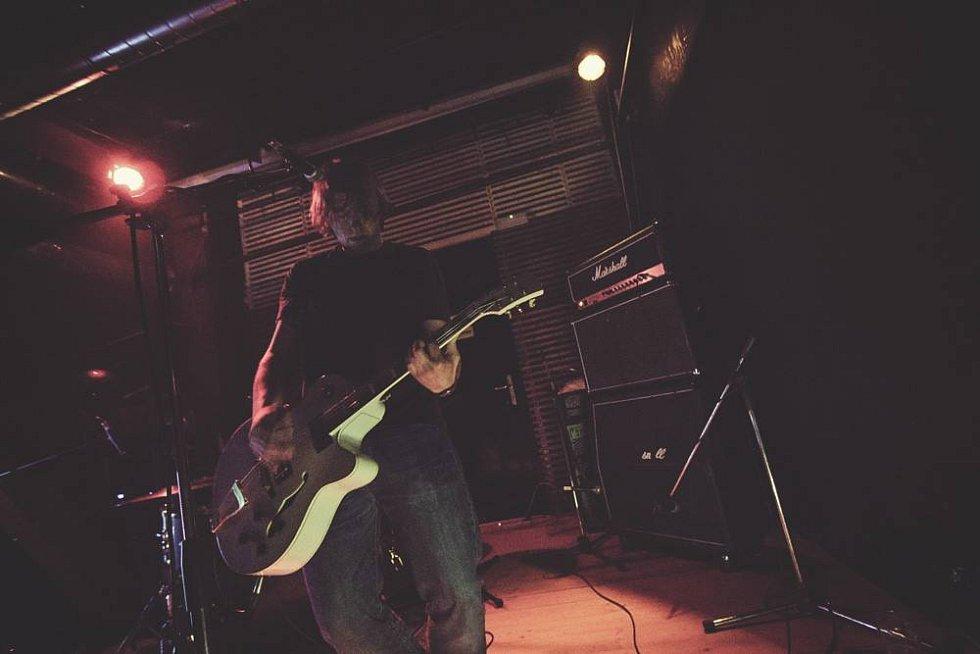 Pikslu rozdní kytary