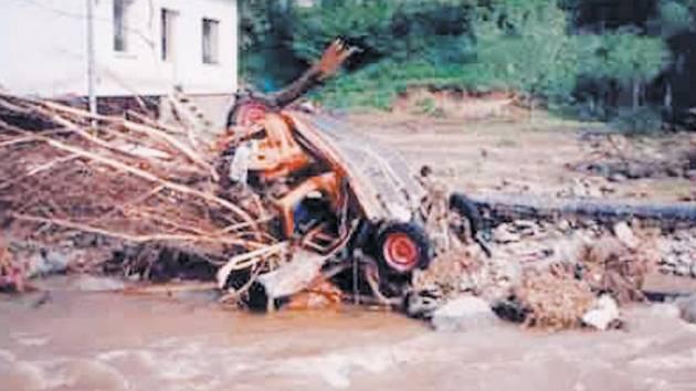 Tak to vypadalo v Lichnově po ničivé povodni před dvaceti lety.