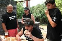 Týnecký Guláš cup nabídl v parném dni dobré jídlo, pohodu i zábavu.