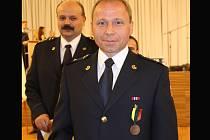 Luděk Rézl si převzal bronzovou medaili.