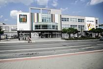 Velkou proměnou má letos postupně projít břeclavské Shopping Centrum. Vše naznačuje už nové jméno spojené se slovní hříčkou BŘECLOVE (anglické love znamená láska – pozn. redakce).