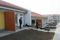 Nejen domácí Šakvičtí si prohlédli areál a zařízený ukázkový byt nového komplexu bydlení pro důchodce.