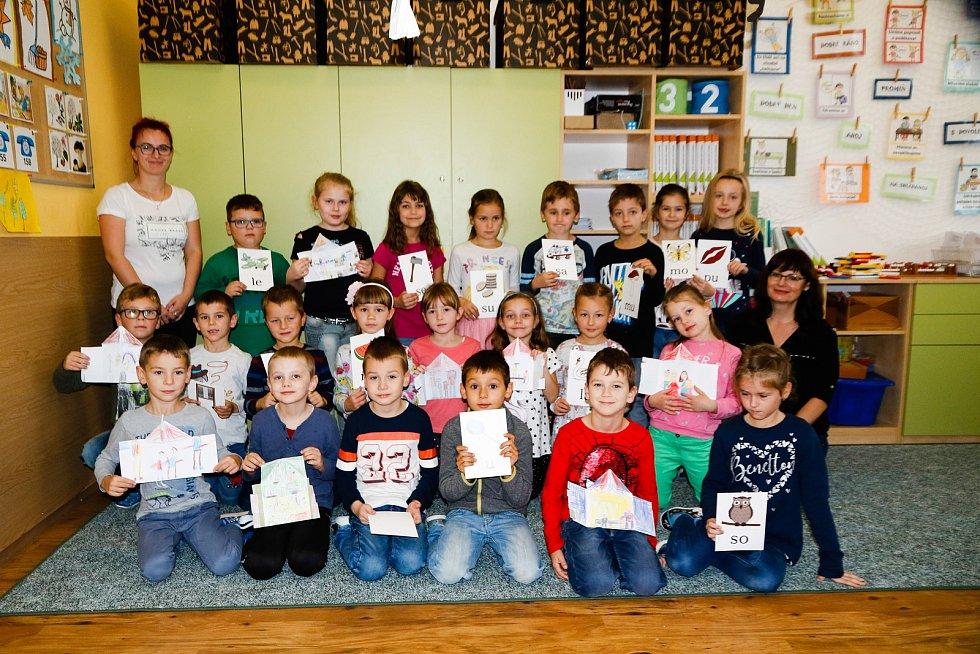 Žáky 1. A třídy základní školy Hustopeče v Nádražní ulici učí Jaroslava Sedláčková.