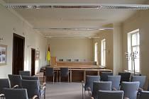 Opravený sál valtické radnice.