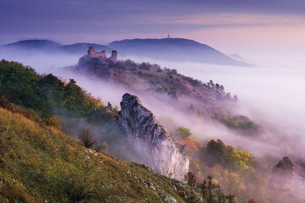 Mlhavé ráno na Stolové hoře.