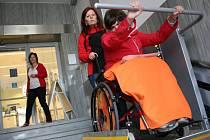 Bezbariérový přístup je pro vozíčkáře nezbytný.