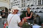 Na víkendový festival navařilo čtrnáct stánků různých kuchyní.